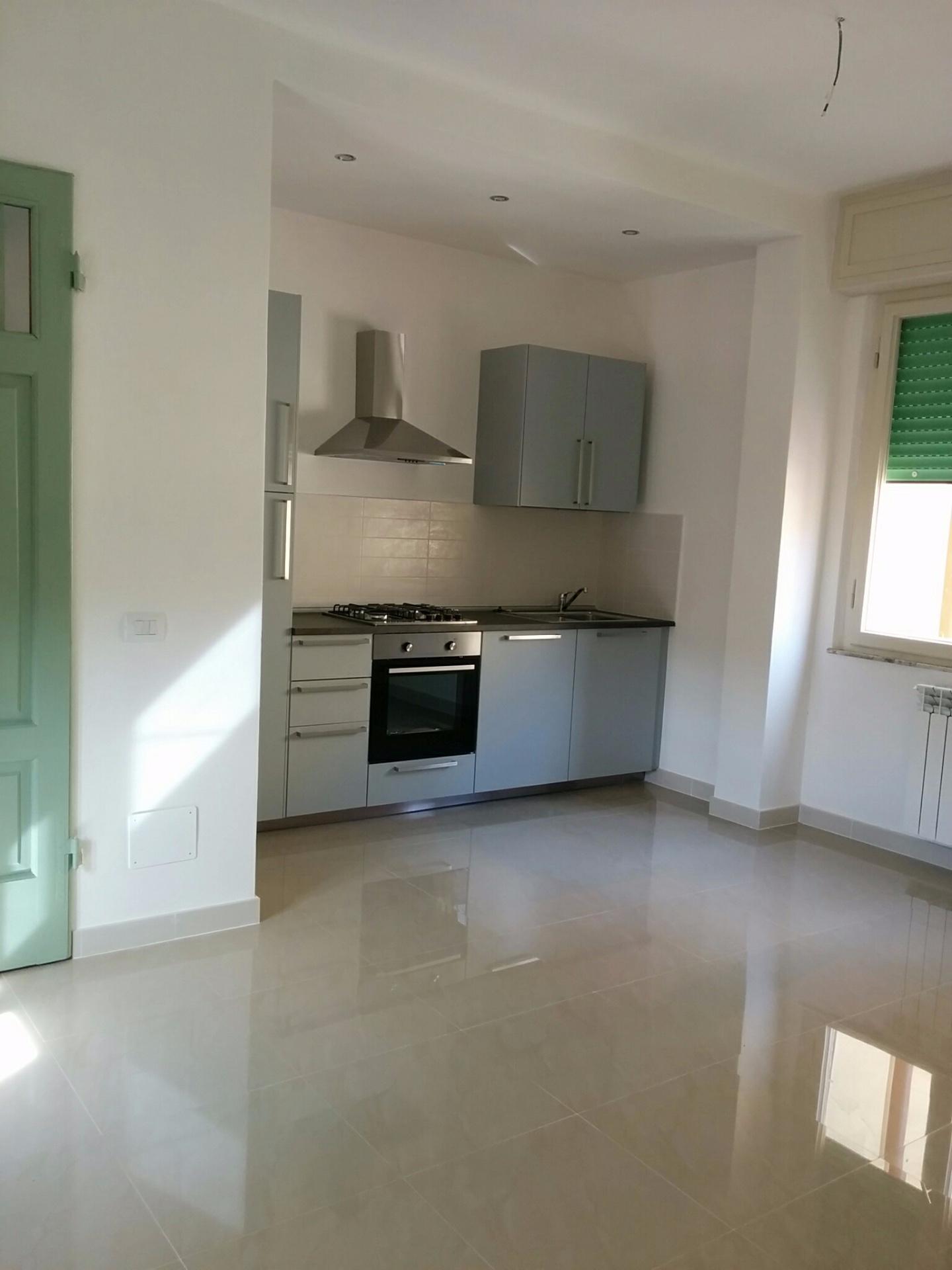 Appartamento in affitto, rif. a39/403