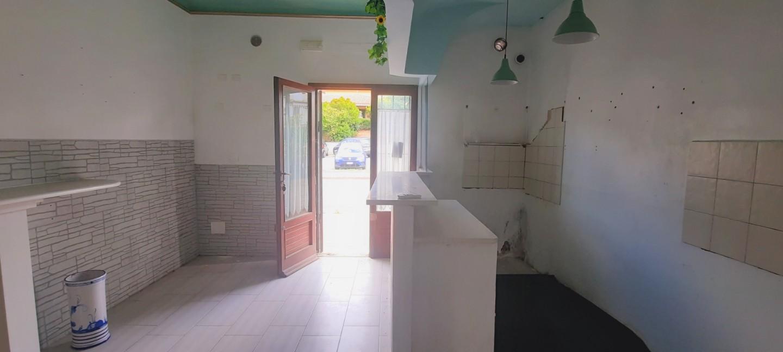 Locale comm.le/Fondo in vendita a I Fabbri, Pontedera (PI)