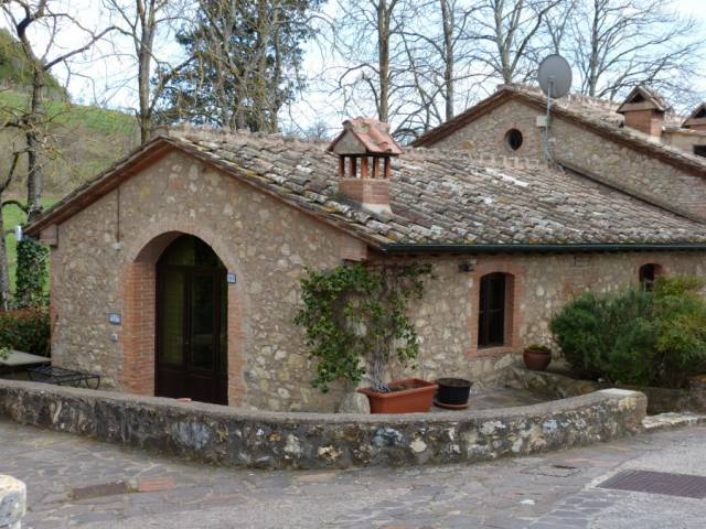 Portion of house for sale in Sovicille (SI)