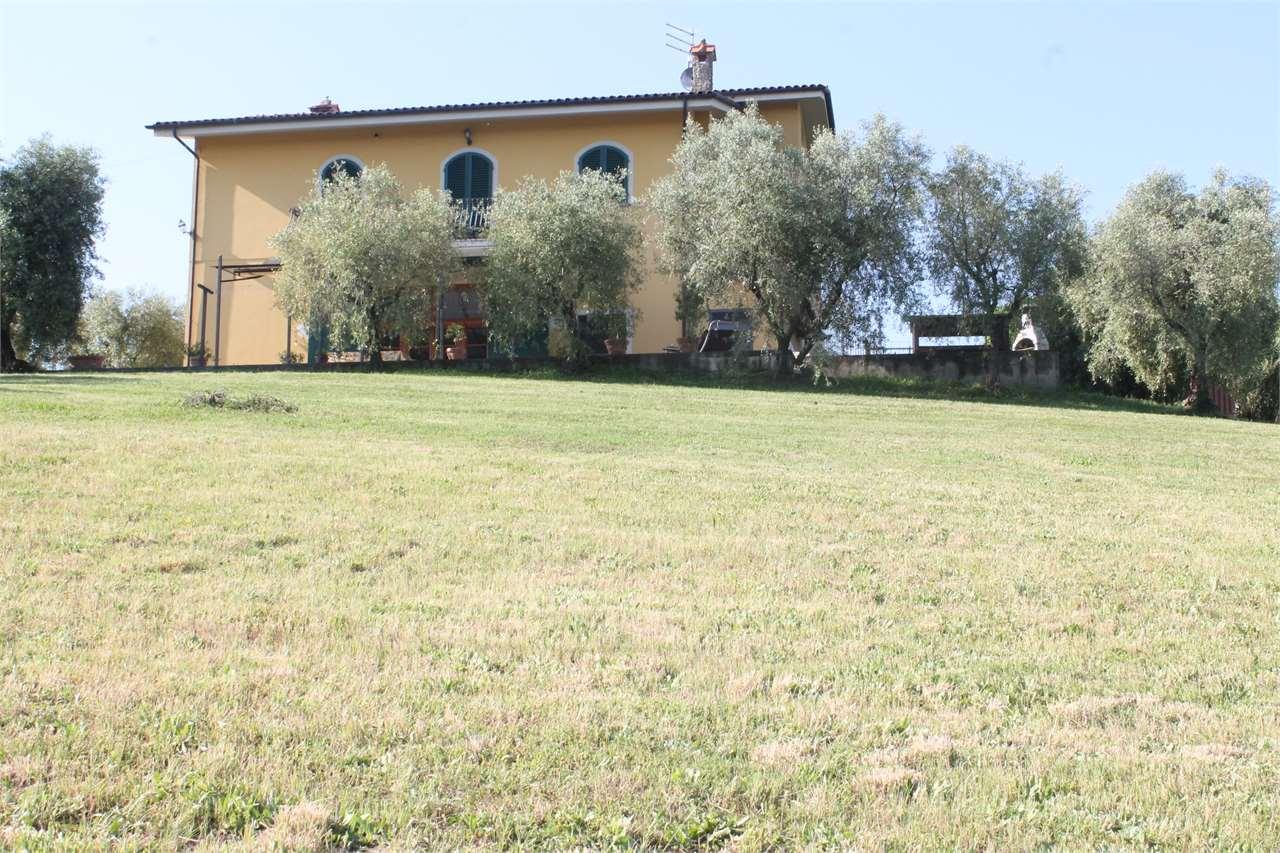 Villa singola in vendita a Montecarlo (LU)