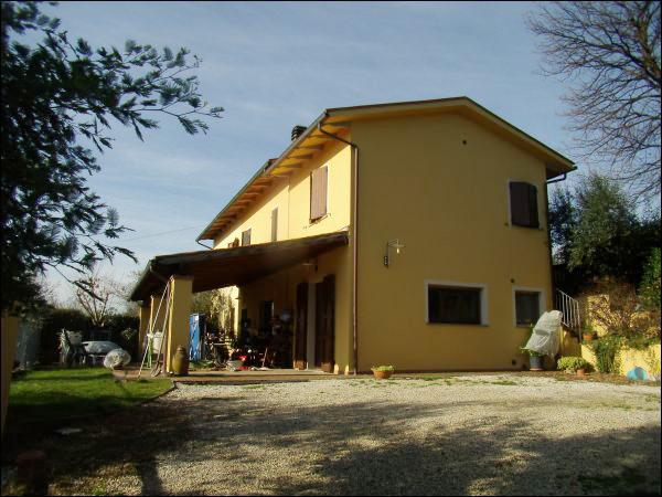 Rustico in vendita a Santa Colomba, Bientina (PI)