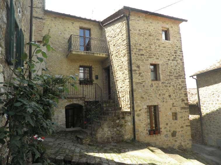 Appartamento in vendita a Chiusdino (SI)