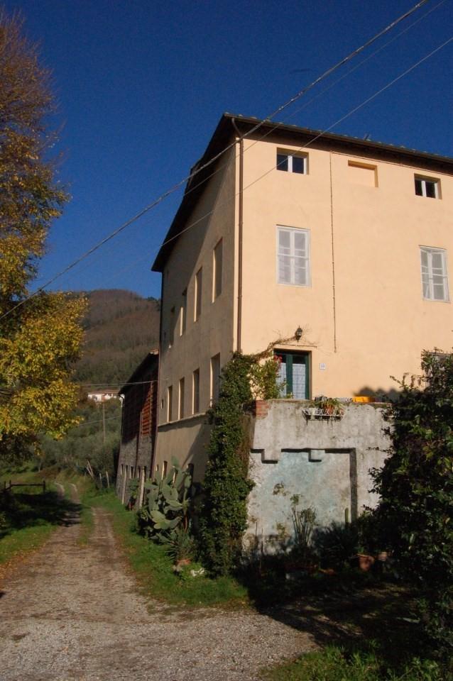 Casale in vendita, rif. 01987