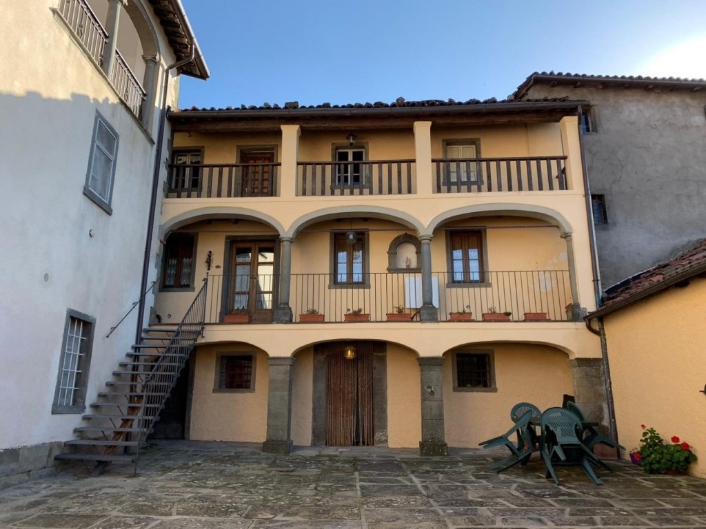 Appartamento in vendita a Villa Collemandina (LU)