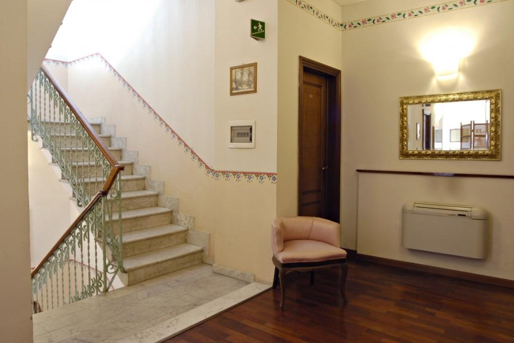 Albergo in vendita a Viareggio, 12 locali, prezzo € 600.000 | CambioCasa.it