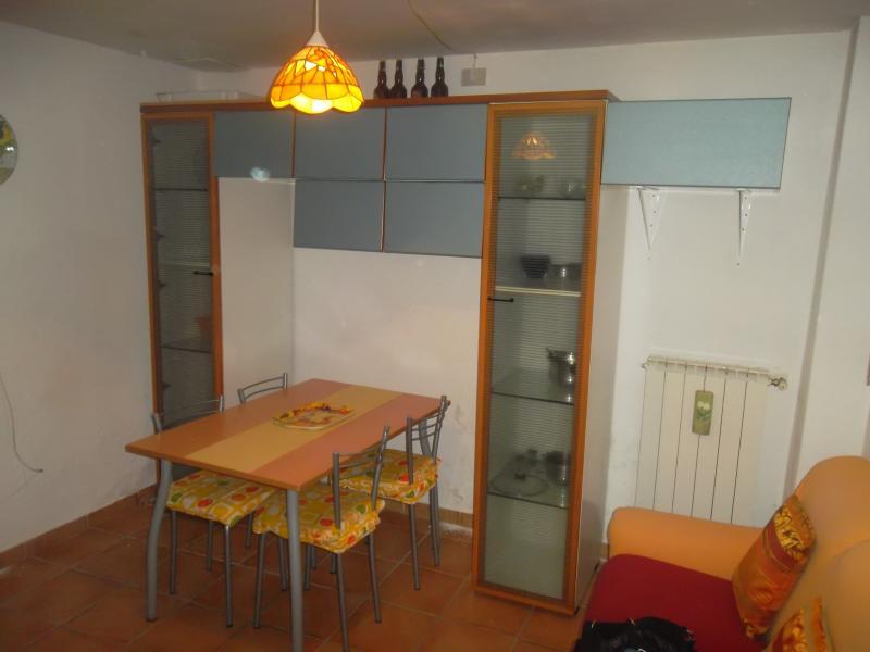 Soluzione Indipendente in affitto a Capannoli, 3 locali, prezzo € 350   CambioCasa.it