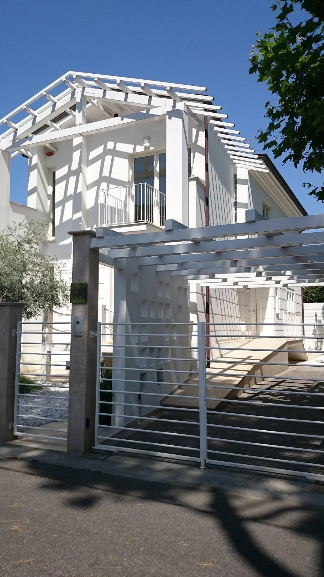 Villa singola in vendita a Lido Di Camaiore, Camaiore (LU)