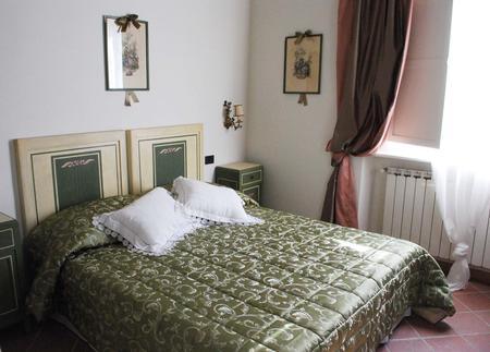 Locale comm.le/Fondo in vendita - Capezzano Pianore, Camaiore