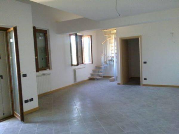 Attico in affitto a Colle di Val d'Elsa (SI)