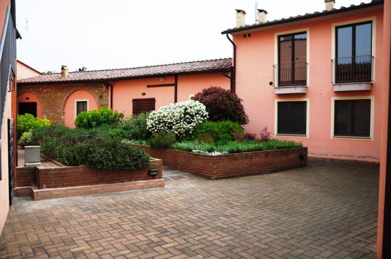 Appartamento in affitto a Colle di Val d'Elsa, 2 locali, prezzo € 400 | CambioCasa.it