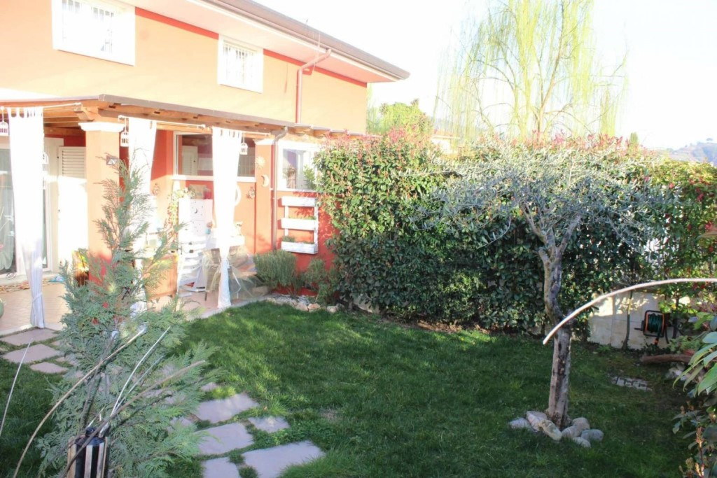 Single-family house for sale in Carrara (MS)