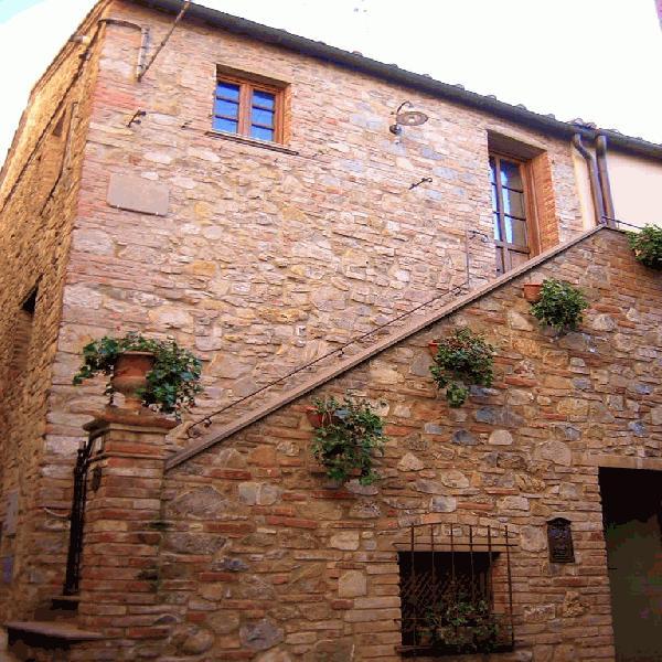 Appartamento in vendita a Gambassi Terme, 2 locali, prezzo € 65.000 | CambioCasa.it