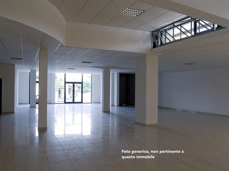 Locale comm.le/Fondo in vendita a Calcinaia (PI)