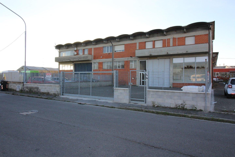 Capannone industriale in locazione a Bientina (PI)