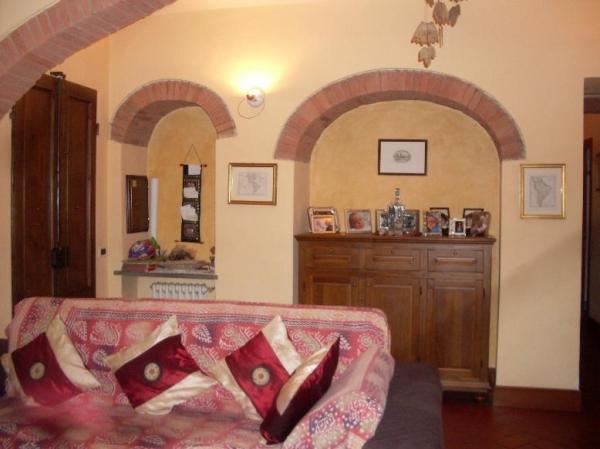 Appartamento in vendita a San Miniato, 3 locali, prezzo € 160.000 | CambioCasa.it