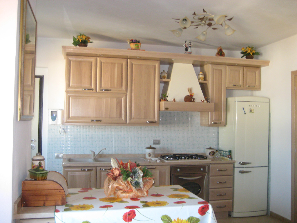 Appartamento in vendita a Pontedera, 4 locali, prezzo € 185.000   CambioCasa.it