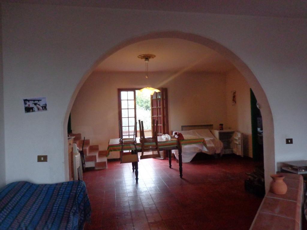 Soluzione Indipendente in vendita a Santa Maria a Monte, 5 locali, prezzo € 270.000 | CambioCasa.it