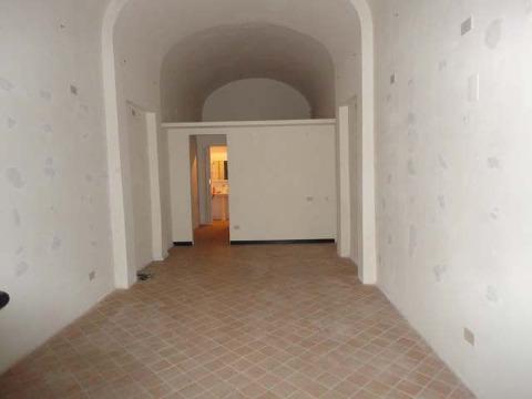 Locale comm.le/Fondo in vendita a Pisa