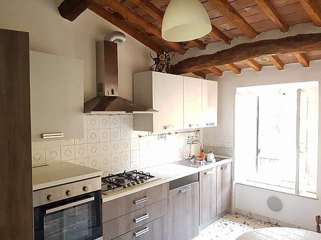 Soluzione Indipendente in vendita a Calci, 10 locali, prezzo € 260.000 | PortaleAgenzieImmobiliari.it