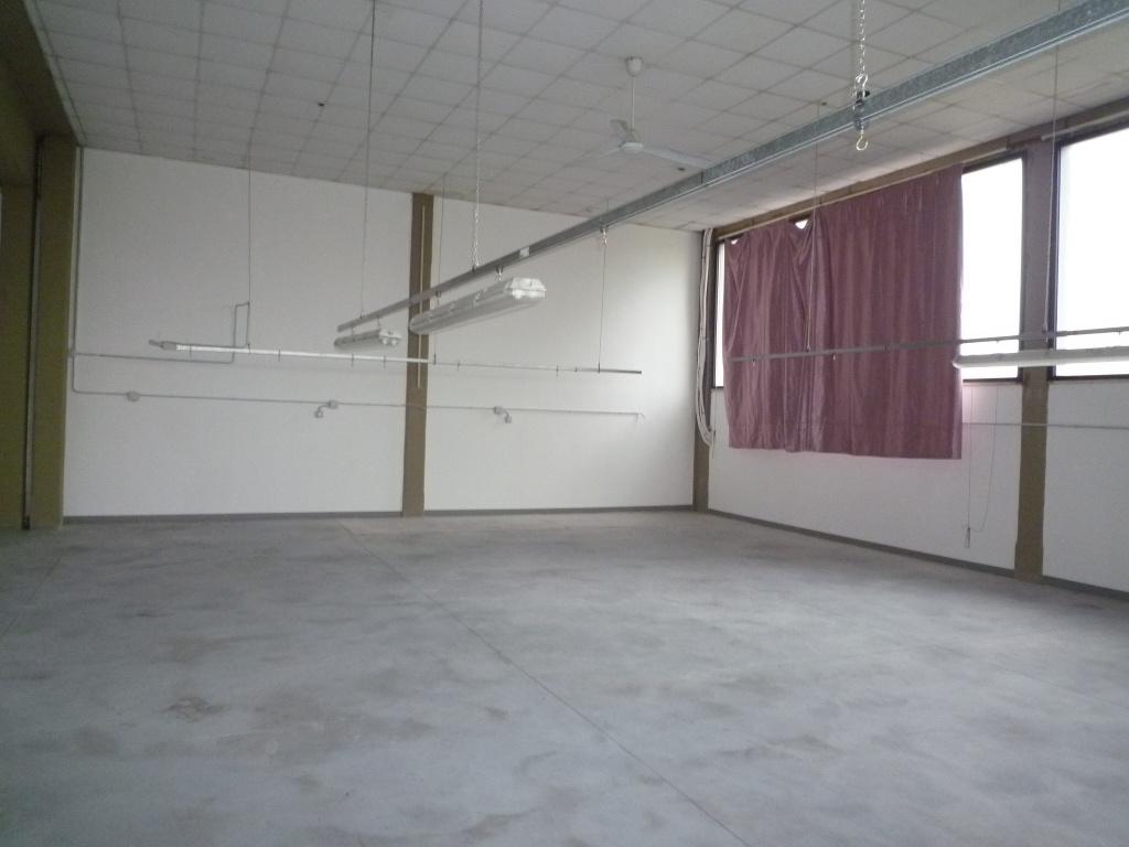 Capannone industriale in vendita a Santa Maria a Monte (PI)