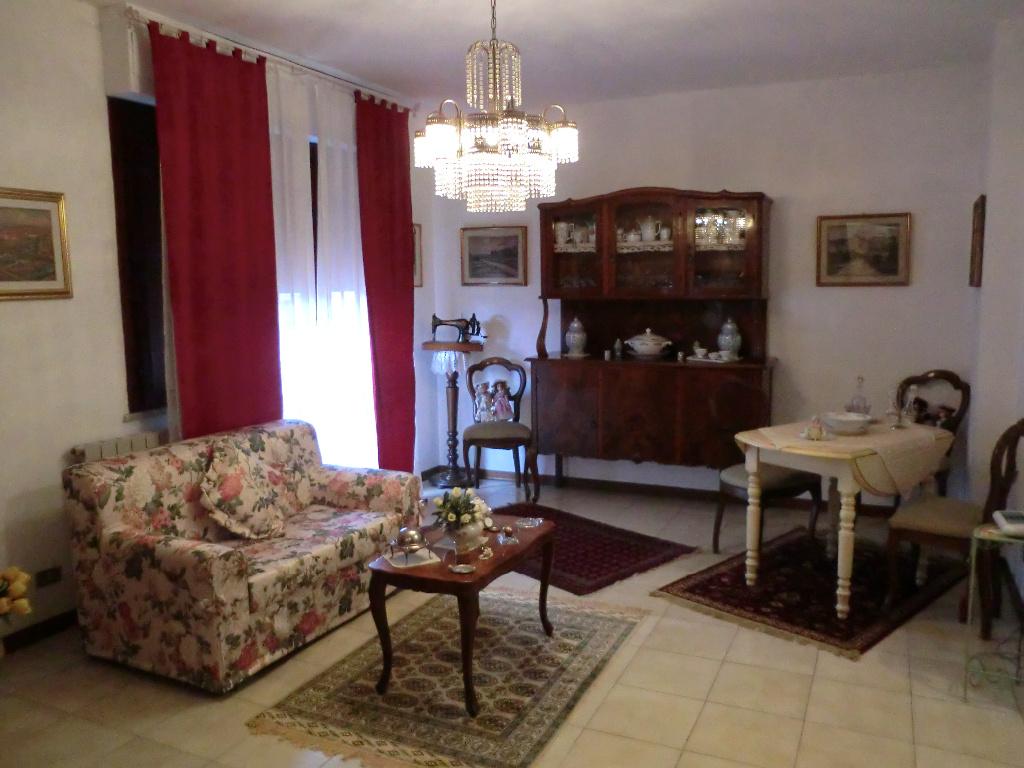 Appartamento in vendita, rif. 215B