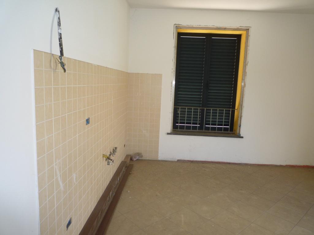 Appartamento in vendita a Fucecchio, 3 locali, prezzo € 70.000 | CambioCasa.it