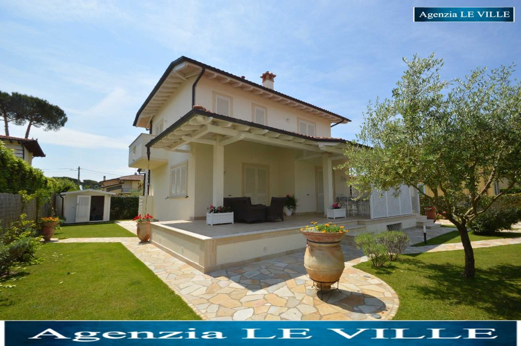 Villa in vendita a Pietrasanta, 9 locali, prezzo € 1.700.000 | Cambio Casa.it
