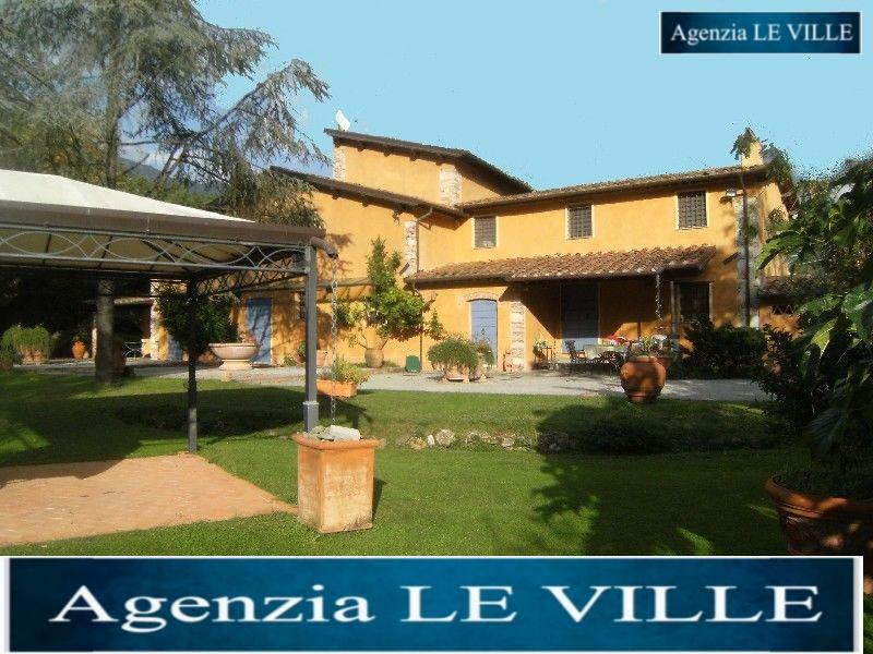 Villa in vendita a Pietrasanta, 12 locali, prezzo € 3.000.000 | CambioCasa.it