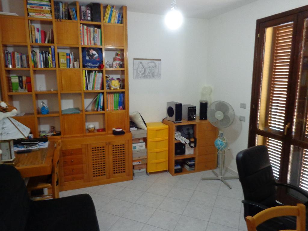 Appartamento in vendita a Castelfranco di Sotto, 4 locali, prezzo € 190.000 | CambioCasa.it