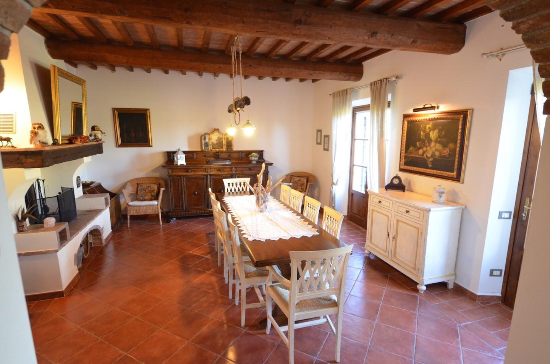 Colonica in vendita a Le Badie, Castellina Marittima (PI)