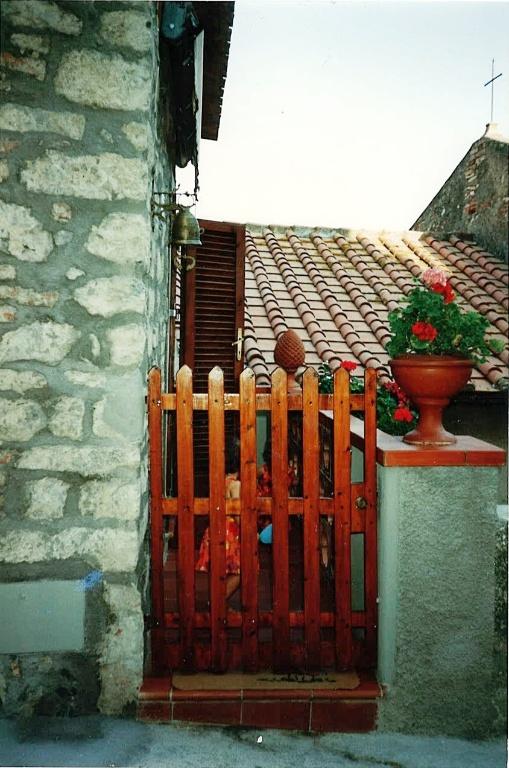 Foto 2/2 per rif. Au94