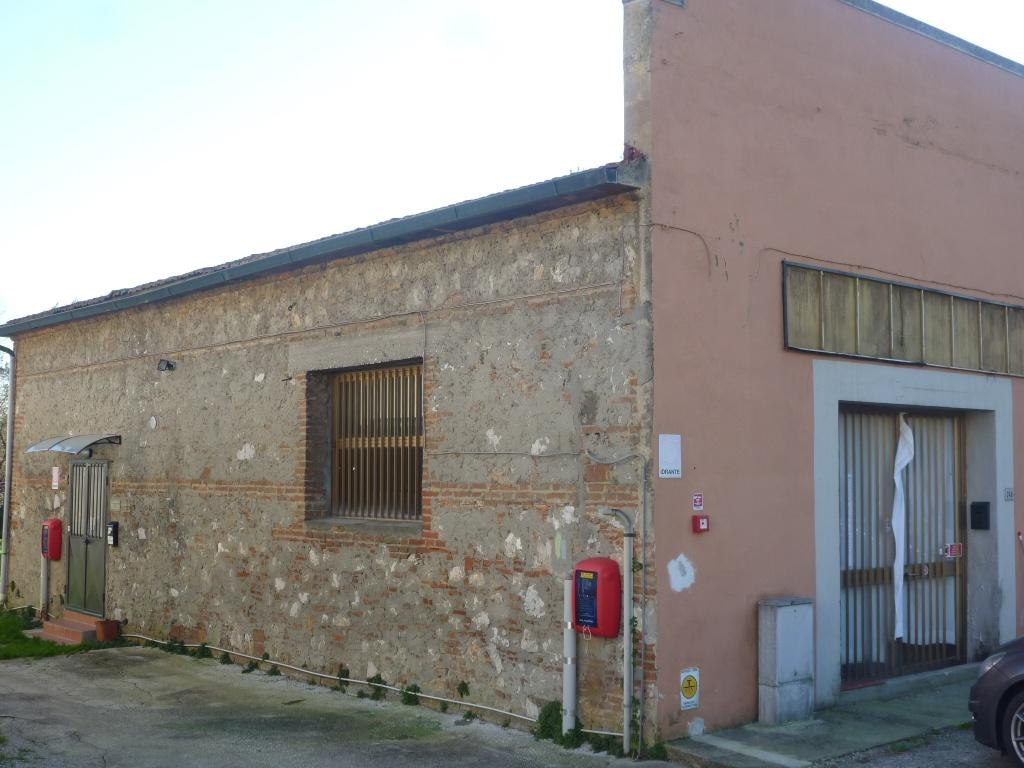 Locale comm.le/Fondo in vendita a Vicopisano (PI)