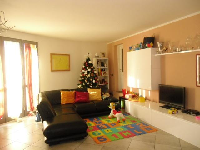 Appartamento in vendita a Palaia, 4 locali, prezzo € 145.000 | CambioCasa.it