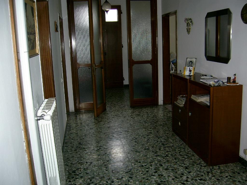 Villa in vendita a Capraia e Limite, 10 locali, prezzo € 290.000 | Cambio Casa.it