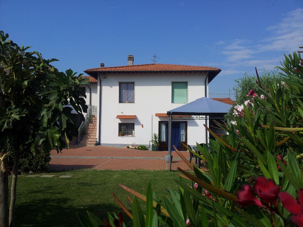 Soluzione Indipendente in vendita a Montopoli in Val d'Arno, 11 locali, prezzo € 430.000 | CambioCasa.it