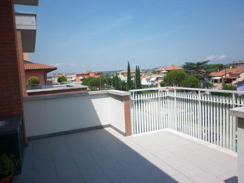 Attico / Mansarda in vendita a Empoli, 6 locali, prezzo € 380.000   Cambio Casa.it