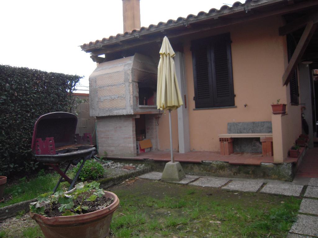Terratetto in vendita - San Lorenzo Alle Corti, Cascina