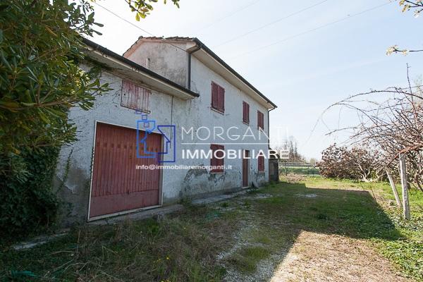 Colonica in vendita a Pietrasanta (LU)