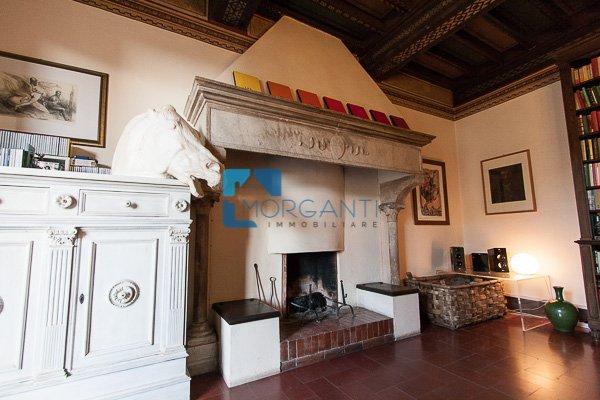 Appartamento in vendita a Pietrasanta, 5 locali, prezzo € 1.000.000 | CambioCasa.it