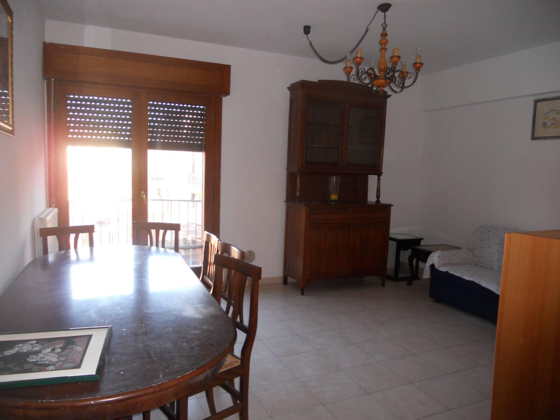 Appartamento in affitto, rif. AC6427