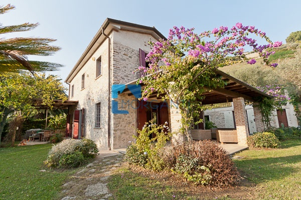 Country house for sale in Pietrasanta (LU)