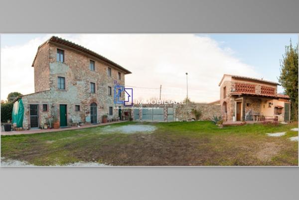 Colonica in vendita a Camaiore (LU)