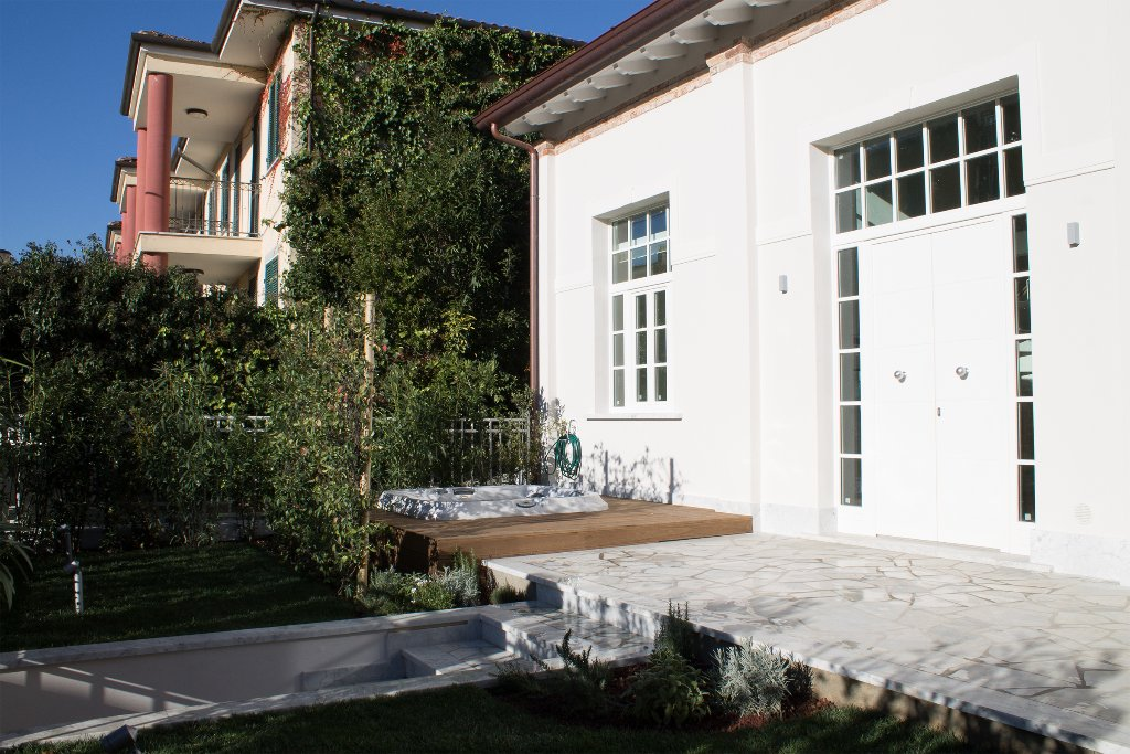 Loft / Openspace in vendita a Pietrasanta, 4 locali, Trattative riservate   CambioCasa.it