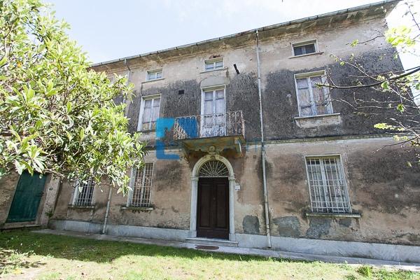 Rustico / Casale in vendita a Pietrasanta, 10 locali, Trattative riservate | Cambio Casa.it