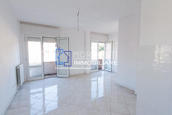 Appartamento in vendita a Pietrasanta, 3 locali, prezzo € 280.000   Cambio Casa.it