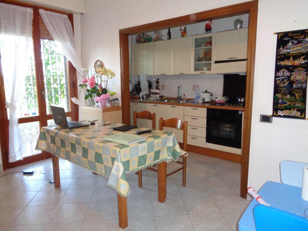 Appartamento in vendita a Empoli, 4 locali, prezzo € 175.000 | CambioCasa.it