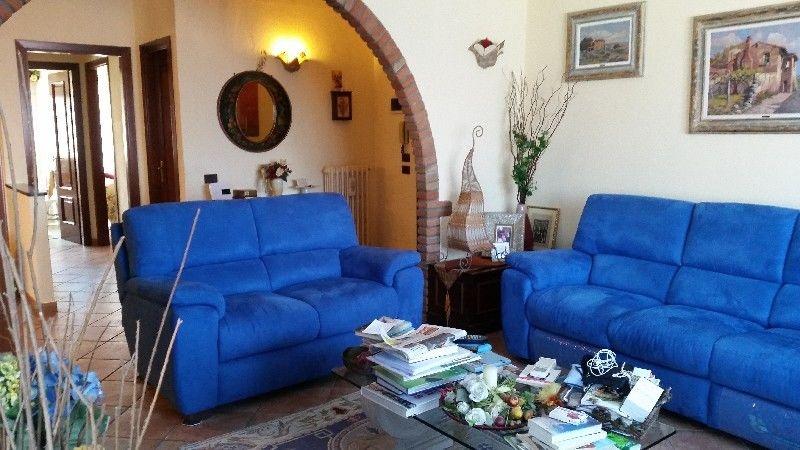 Appartamento in vendita a Rosignano Marittimo, 4 locali, prezzo € 200.000 | CambioCasa.it