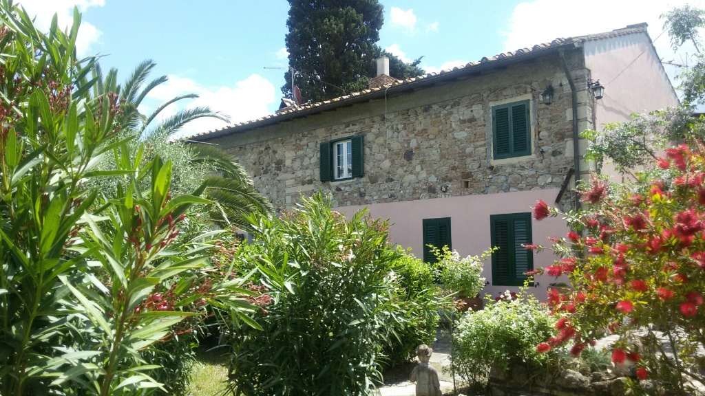 Colonica in vendita a Castellina Marittima (PI)