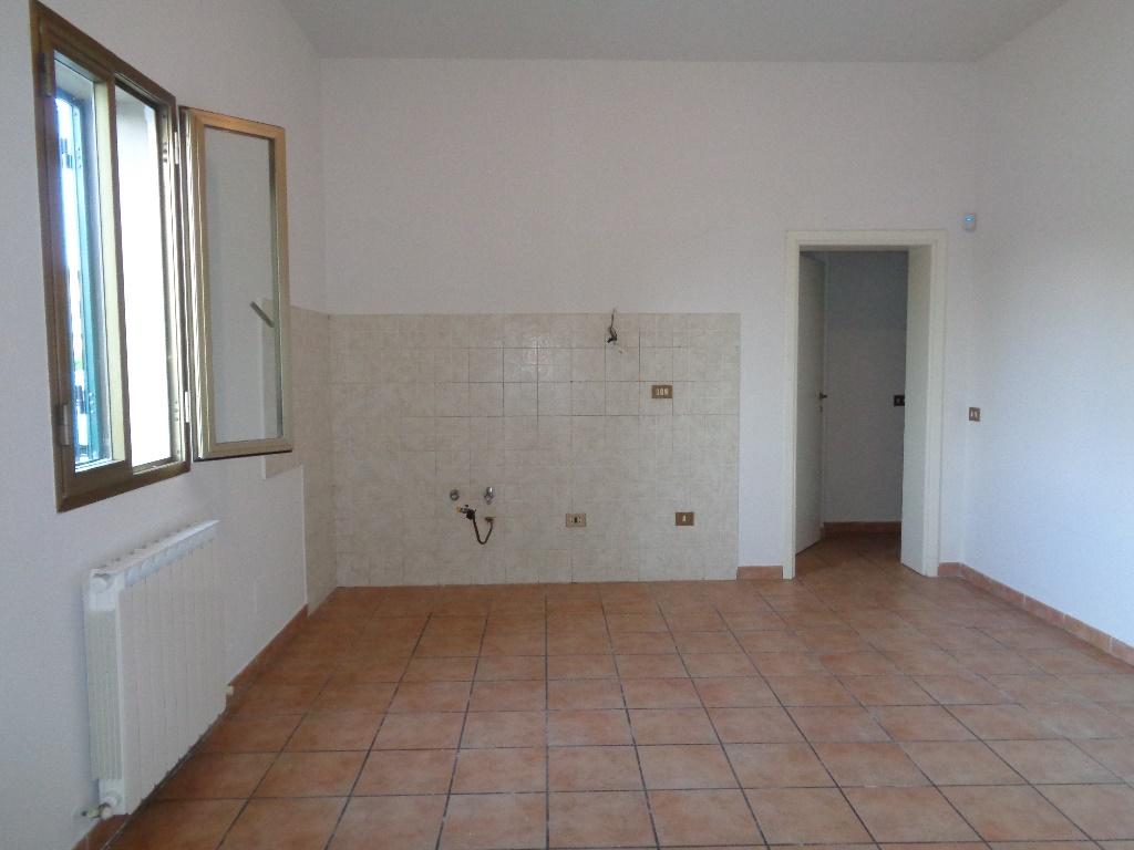 Appartamento in vendita a Empoli, 3 locali, prezzo € 118.000 | Cambio Casa.it