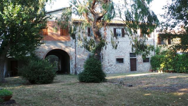 Rustico / Casale in vendita a San Giuliano Terme, 15 locali, prezzo € 550.000 | CambioCasa.it